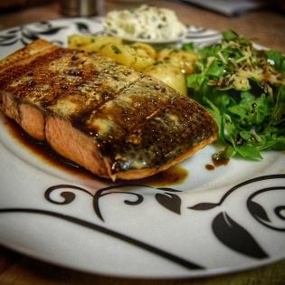 Smoked Salmon w/ Potatoes and Cream Cheese